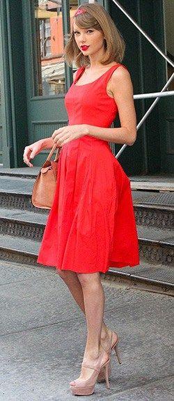 Image result for Taylor Swift in Oscar de la Renta, 2014