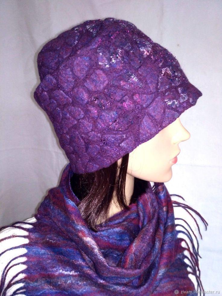 Купить Валяный комплект шапка и шарф Зимняя вишня в интернет магазине на Ярмарке Мастеров