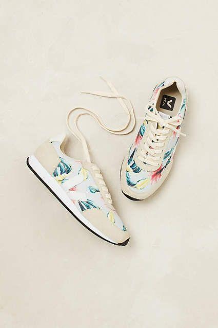 V stands for Very lovable - Veja #sneakers #fashion #Juttu