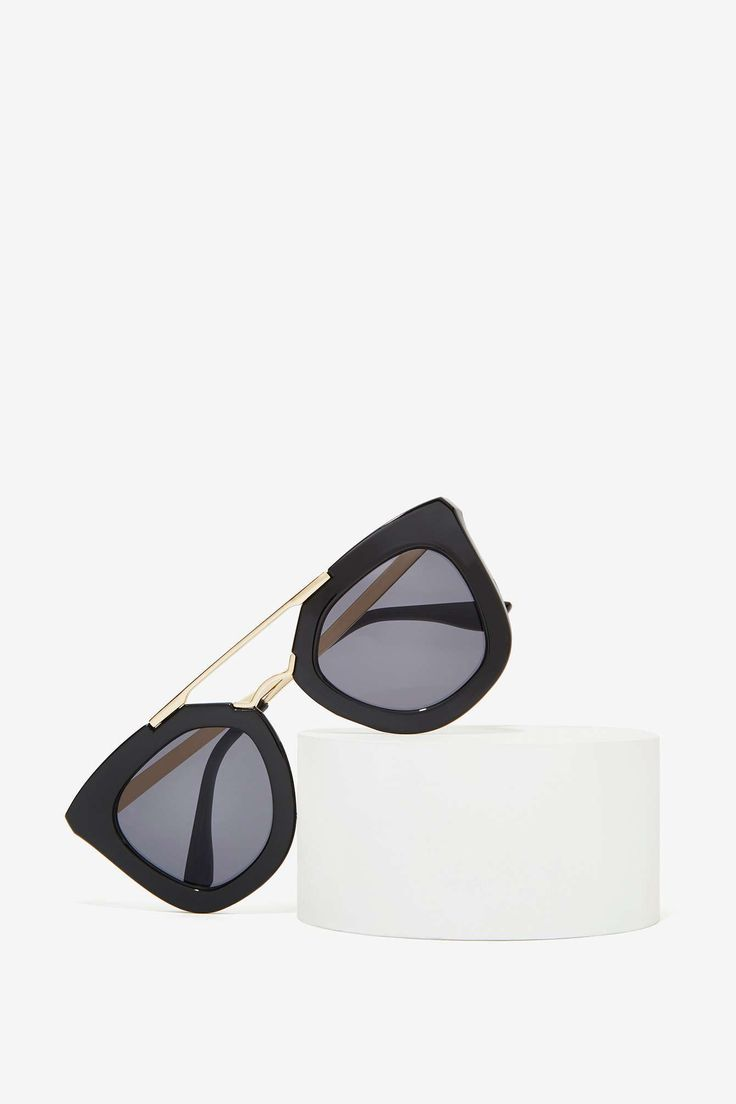 I am really feeling these Bueller II Shades from Nasty Gal. Best early 2015 purchase.