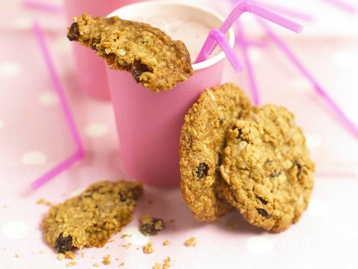 Oat & Raisin Cookies  - recipe from annabelkarmel.com