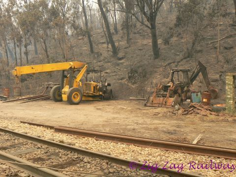 Edgecombe siding - Crane and Front end Loader TDF | by zigzagrailway@yahoo.com.au