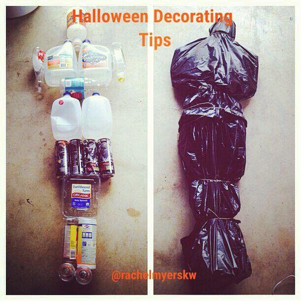 Genius Halloween Decorating idea! #halloween #halloweendecorations #bodybag #genius #decorating #makeitscary #myfavoriteholiday #ilovehalloween