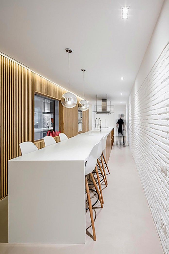 Sculptured-Central-Nucleus-Apartment-in-Barcelona-by-Sergi-Pons-architects-04
