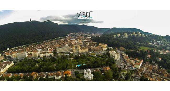 Brasovul, inconjurat de munti :) #brasov #romania #transilvania