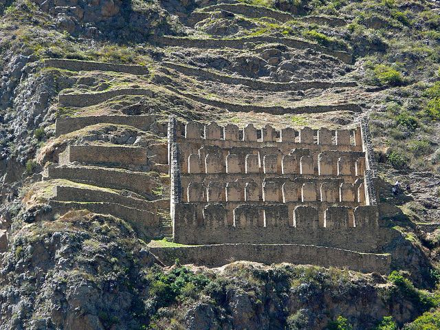 Ollantaytambo The Incas built it as a fort that included a temple, agricultural terraces, and an urban area. There are two distinct sectors: Araqama Ayllu, the religious and worship zone, and Qosqo Ayllu, the residential area. Ollantaytambo was an important administrative center with probable military functions if one considers the walls and towers. There are also traces of ancient roads and aqueducts. The town of Ollantaytambo is called a Living Inca Town