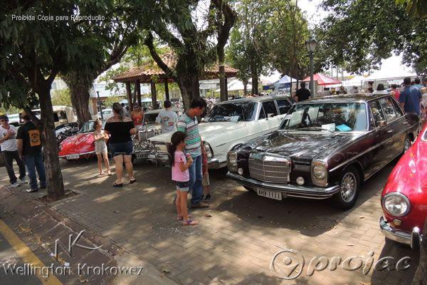 II Exposição de Carros Antigos em Jacarezinho - http://projac.com.br/noticias/ii-exposicao-de-carros-antigos-em-jacarezinho.html