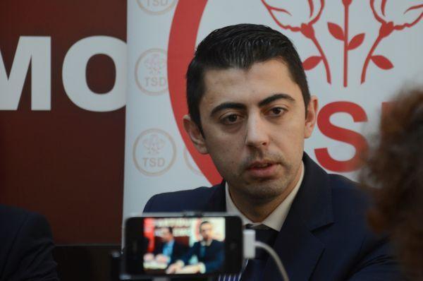 Vlad Cosma a scapat de arest! Camera Deputatilor a respins, luni, ridicarea imunitatii deputatului PSD. Decizia a fost luata cu 222 de voturi impotriva solicitarii DNA si 105 in favoarea ei. La vot a