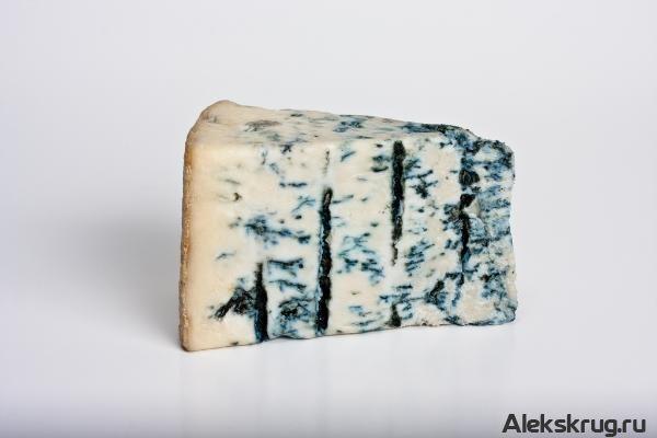 Вчера на нашу почту пришло шокирующие письмо. Жительница нашего города была возмущена халатностью продавцов магазина «Сыр в масле» экологиче...