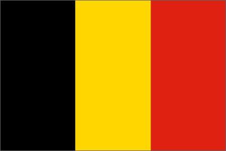 La Belgique est un petit pays d'Europe de l'Ouest. les gens parlent français, allemand et néerlandais. Les couleurs du drapeau est noir, jaune et rouge.