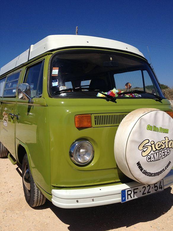 #Portugal: Road trip en famille et combi Volkswagen en #Algarve -  via Guide Evasion 13.05.2015 | Le Portugal est une destination que nous apprécions énormément pour des vacances en famille. Nous y sommes allés plusieurs fois mais clairement, notre séjour le plus original et le plus mémorable a été notre semaine en combi Volkswagen à travers l'Algarve, une superbe région dans le sud-ouest du pays. Nos enfants avaient alors 2 ans et 4 ans.