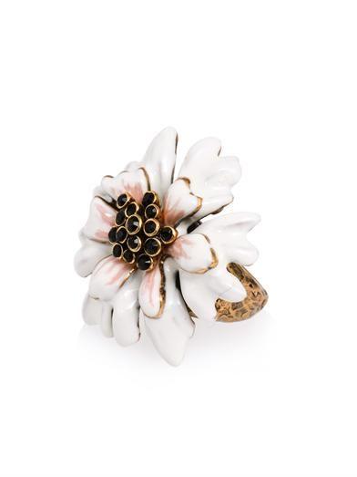 Painted enamel carnation ring   Oscar De La Renta   MATCHESFAS...