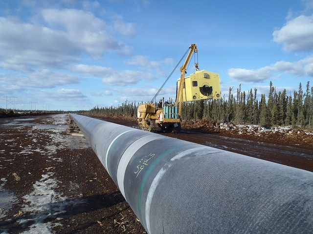Canadian prime minister gives go-ahead to two oil pipeline projects - http://www.sogotechnews.com/2016/11/30/canadian-prime-minister-gives-go-ahead-to-two-oil-pipeline-projects/?utm_source=Pinterest&utm_medium=autoshare&utm_campaign=SOGO+Tech+News