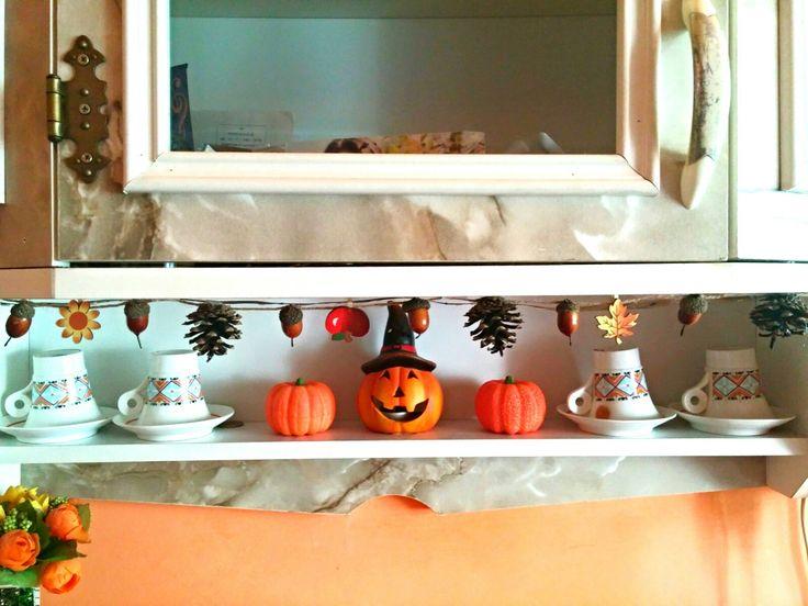 Fall/halloween kitchen garland
