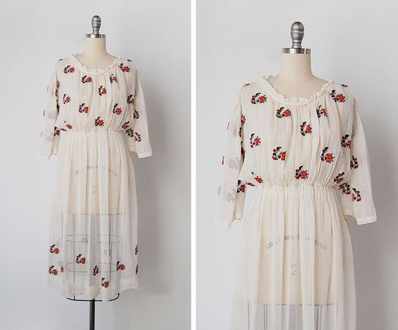 vintage 1940s dress / embroidered peasant dress / 40s by cutxpaste