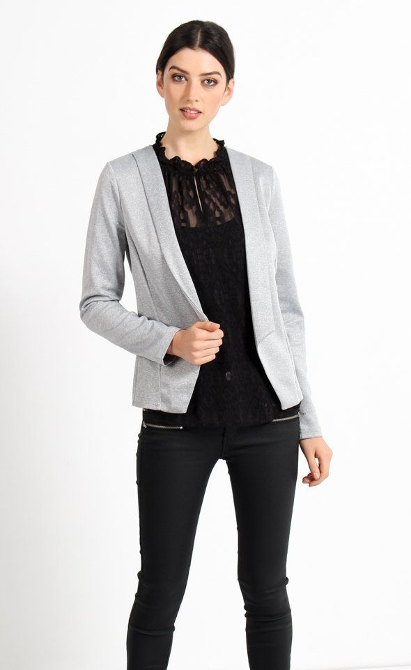 The perfect structured layer for your 9-5 wardrobe. A beautiful clean and contemporary design for any occasion.