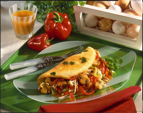 Kräuter-Omelett mit süß-saurem Paprika-Pilz-Gemüse Rezept