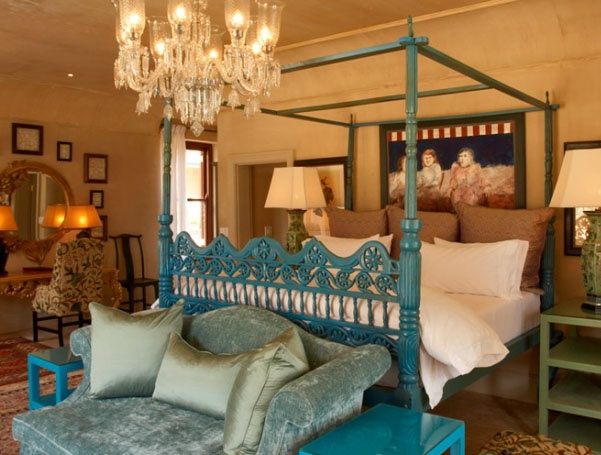 Ultra-luxury suites and elegant villas set romantically on the slopes of Franschhoek Valley, among vineyards and mountains
