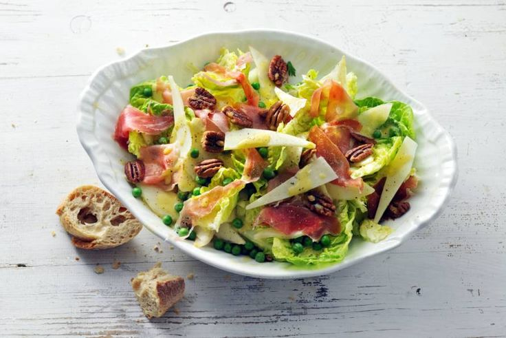 Dit is de lente op je bord: een frisse salade van doperwten, peer en ham.- Recept - Allerhande
