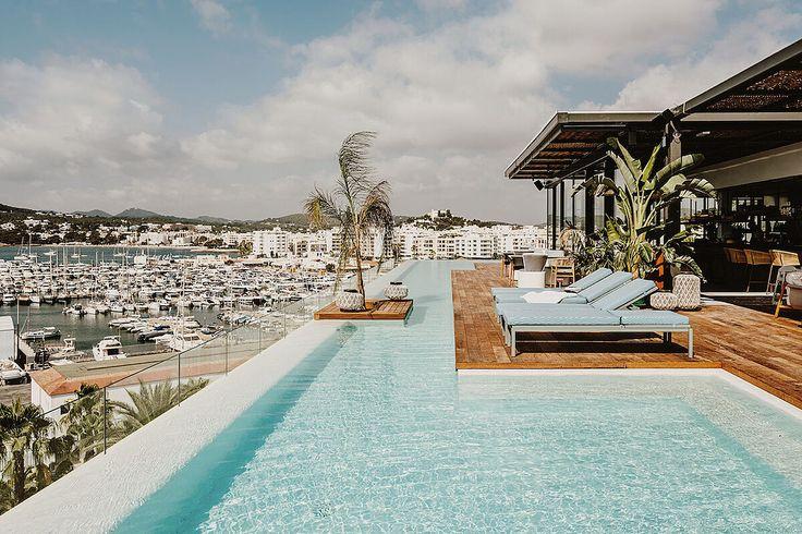 Nueve hoteles increbles en Ibiza ( y una joya oculta en Formentera) - Ya ha llegado la temporada de playa y si hay un... | Fueradeserie/viajes | EXPANSION.com Hotel Ibiza, O Hotel, Piscina Hotel, Grand Luxe, Outdoor Pool, Outdoor Decor, Pool Designs, Backyard Designs, Double Room