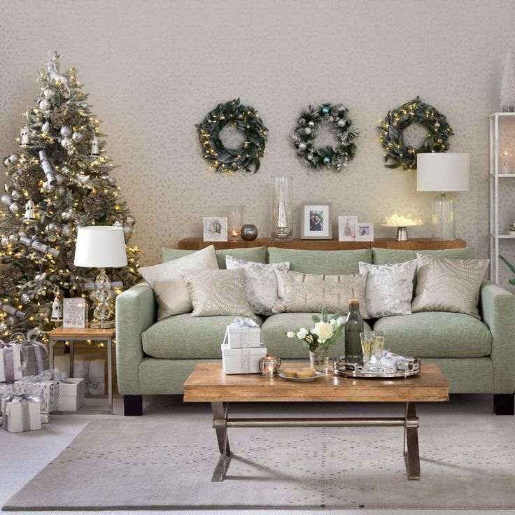 36 Best Images About Christmas Living Room On Pinterest Traditional Christmas Trees And