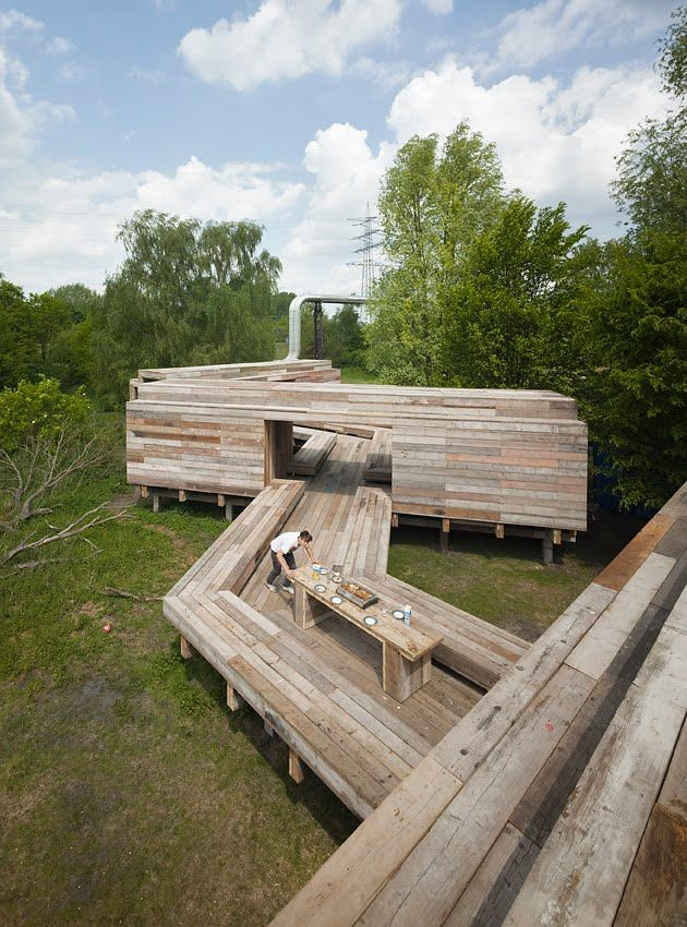 waiting for the river, 125ft long inhabitable bridge by Dutch art group Obserbatorium