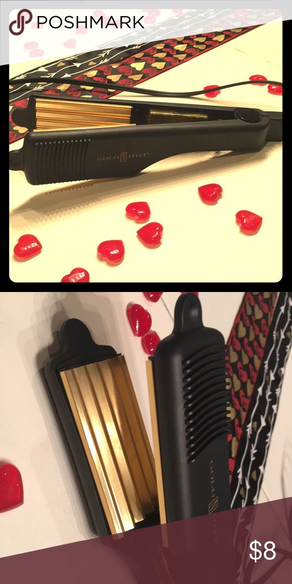 Crimp iron! Crimp iron!  In great shape and clean.  I only used this crimp occasionally in the 3 years that I have had it. Gold n Hot Accessories Hair Accessories