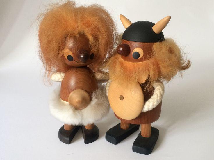 Vintage Sveistrup Denemarken medio eeuw Deens teak troll viking paar beeldjes - Bojesen tijdperk door wyvo op Etsy https://www.etsy.com/nl/listing/451587574/vintage-sveistrup-denemarken-medio-eeuw