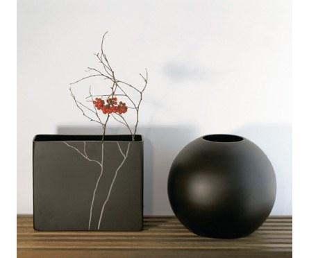 Inscription Vase