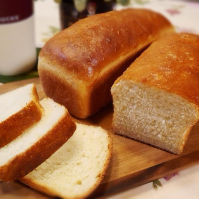 発酵バターを使ったイギリス食パン。 軽くトーストすると、カリッ&ふわ✨ 美味しく出来ました✨ - 138件のもぐもぐ - イギリス食パン by メイスイ