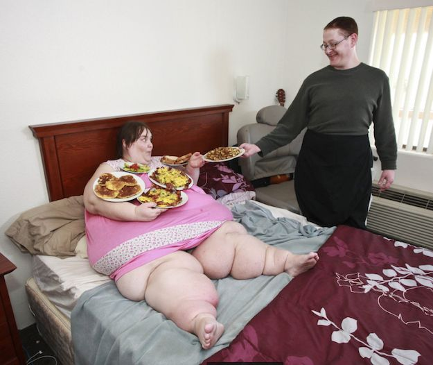 Really Fat Woman Sexy!!!!!!!!!!!: Fattest Woman, Woman Engagement, Danger, Fat Woman, Breakfast In Bed, 800 Pound Woman, Bride, Feeding Her Assholes, Gross Woman