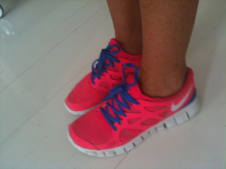 wear nike free with or without socks