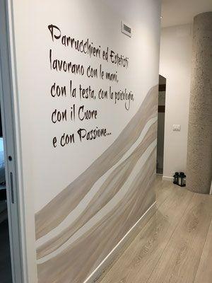 Decorazione corridoio in uno studio estetico