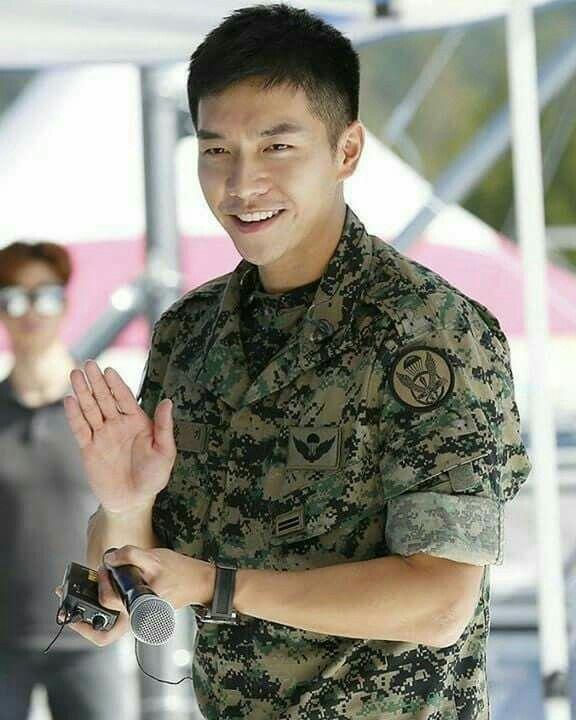 smile that can make any people fall in love.. #seunggi #leeseunggi