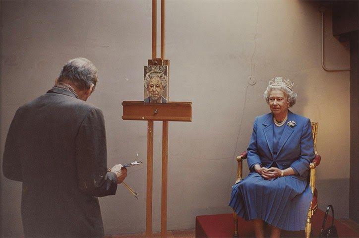 Η βασίλισσα ποζάρει