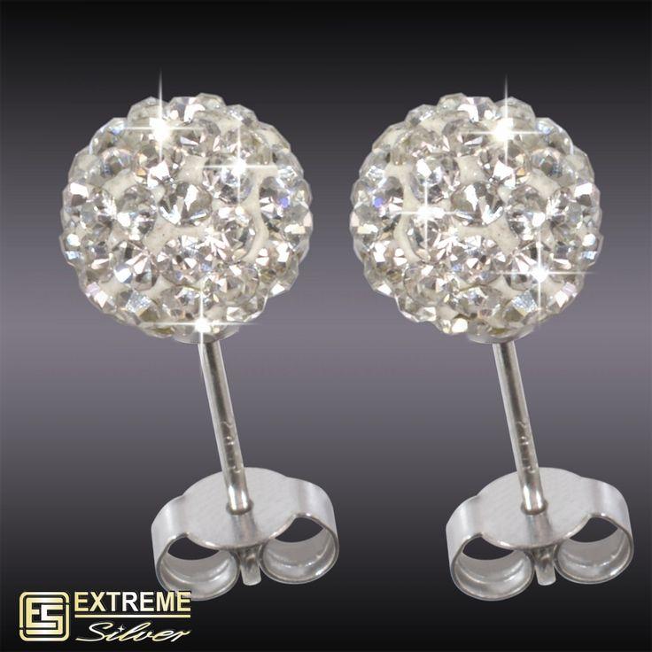 Ezüst fülbevaló Swarovski kristállyal - Fogy. ár: 2 290 Ft - Gyönyörű, a ródium bevonat következtében fehérarany kinézetű ékszer. Fülbevaló Swarovski kristály díszítéssel. Gömb alakú. Átmérő: 8 mm.
