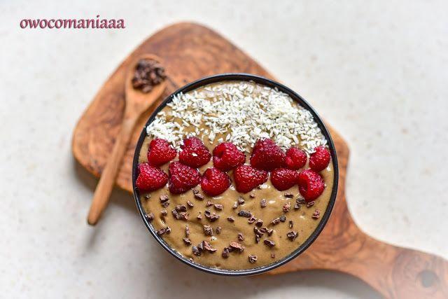 Śniadanie mistrzów czyli czekoladowa miska koktajlowa (smoothie bowl)