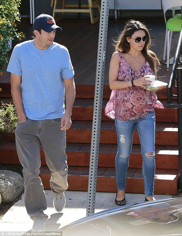 Lunch date: Mila Kunis and Aston Kutcher enjoyed a bite to eat at Lemonade in West Hollywood, California, on July 21, 2014 http://dailym.ai/1p76ZQY