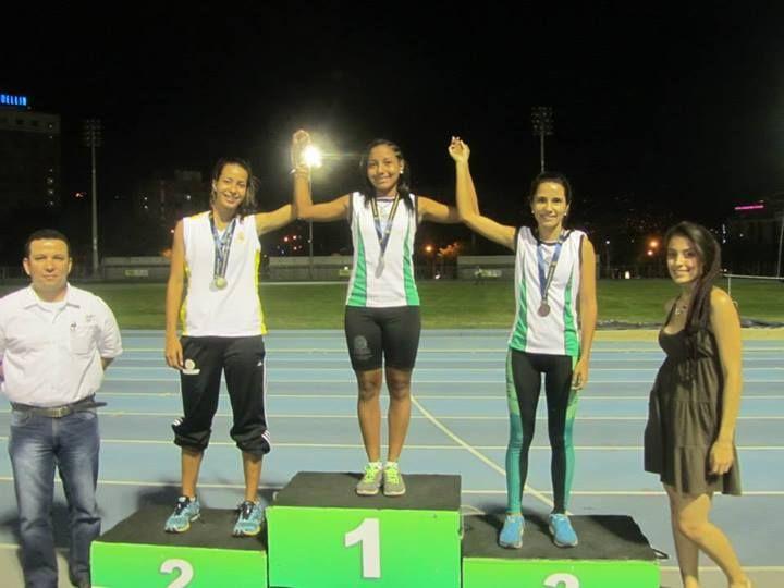 Nivelia Cuadrado, estudiante de la Tecnología en Artesanías Bajo Cauca, gana medalla de oro en juegos universitarios