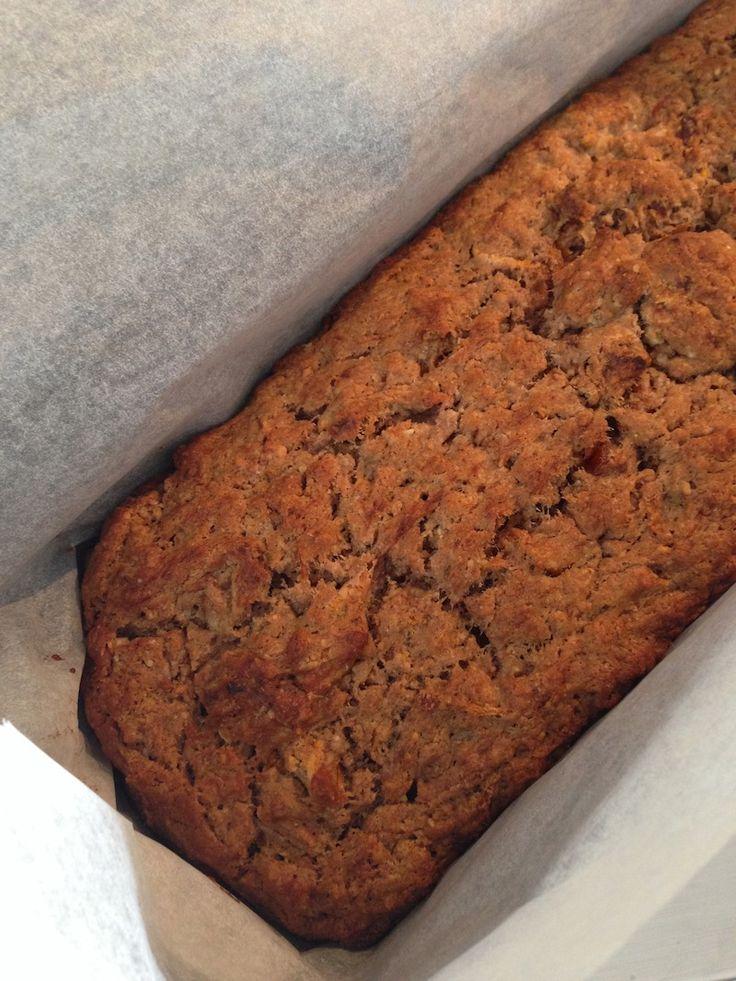 Een recept voor een heerlijke gezonde wortelcake die echt niet naar wortels smaakt, maar wel naar een heerlijke cake! Hier vind je het recept, geheel suikervrij en met speltmeel.