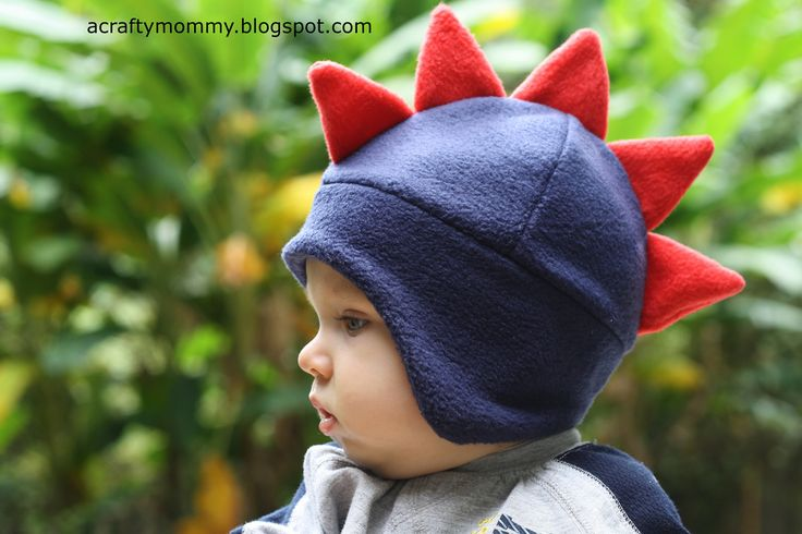 Dino fleece hat tutorial.  Make my daughter one w/o the Dino spikes and with a Velcro chin strap