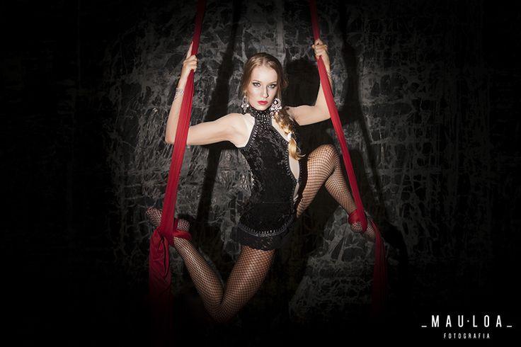 Projeto autoral com a modelo e ginasta Sasha Benner (Agência Mega Model) Produção e Beauty Bruna Coelho Locação Galpão ACESARTE (Nova Cia de Teatro)
