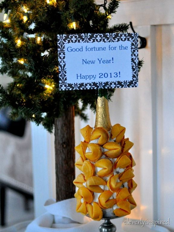 new years eve fortune cookie display @cleverlyinspired (1)