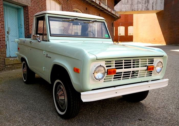 1971 ford bronco ford introduced the bronco as its first suv in 1966 it was one of the earliest. Black Bedroom Furniture Sets. Home Design Ideas