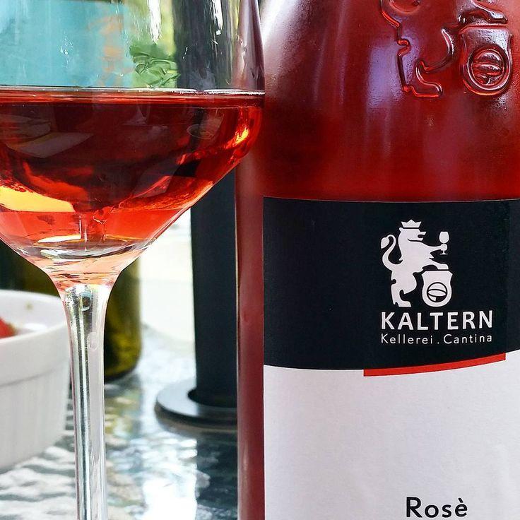 Aus Südtirol: 2016 Rosé Vignette delle Dolomiti -Kellerei Kaltern. Gibt es bei uns #altoadige #SÜDTIROL #italien #kaltern #rosewein #sommer #sommererfrischung #cuvee #lagrein #pinotnoir #merlot