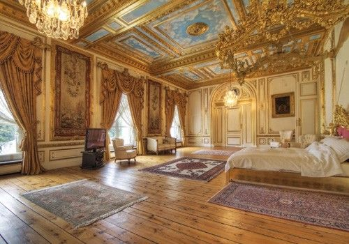 Perfection The Petit Trianon. Marie's bedroom. Oct 2012