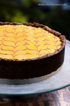 Шоколадный тарт с облепихой.