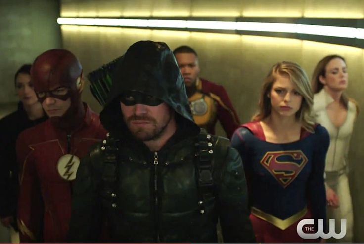 Here comes the… boom. The latest promo for The CW's upcoming four-show, two-night Arrowverse crossover event suggests that things will go kablooey before The Flash's Barry and Iri…