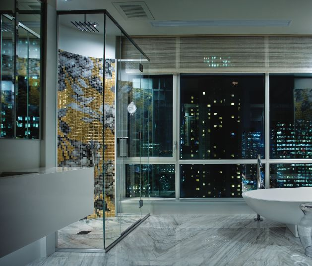 Beautiful bathroom for our Interior editorial in our summer issue #MixteMagazine #bathroom #Batimat #interior #Mixte15