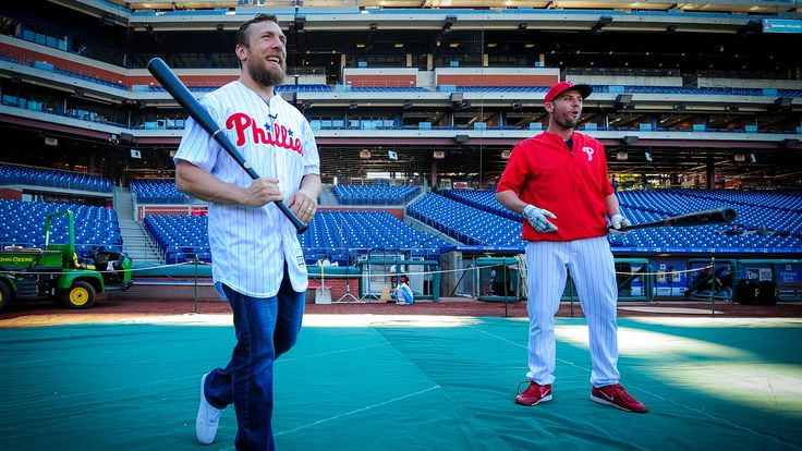 Watch: Bryan throws out first pitch at a Phillies game